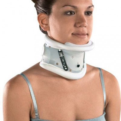 "Plastic collar ""SCHANZ"" type with height adjustable under chin"